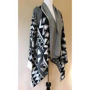 NWT Tribal Knit Fringe Hem Shawl Open Cardigan
